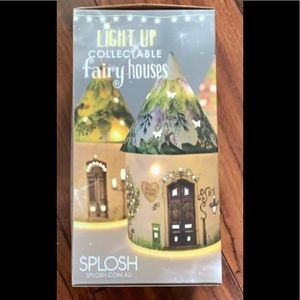 Splash Light up Collectable Fairy House